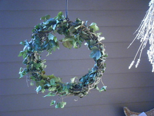 Christmas wreath-2012.JPG