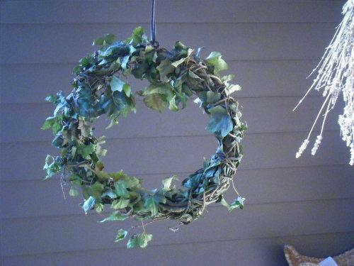 Christmas wreath-2012.JPG